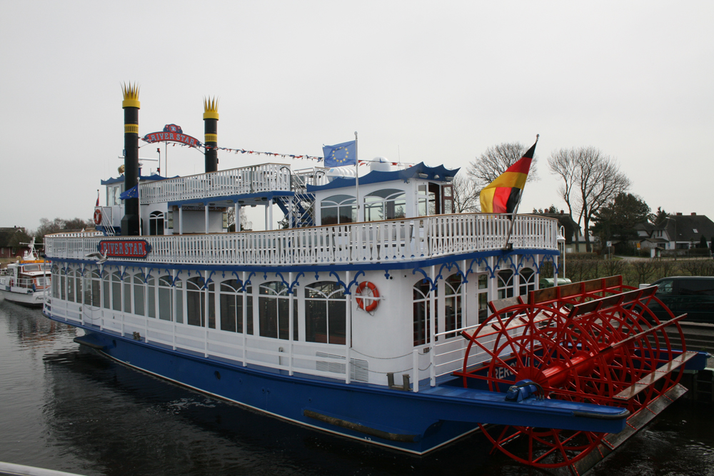 Dampfer in Prerow Bottenfahrt